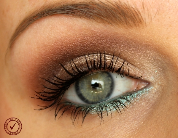 Pop of Turquoise Makeup With