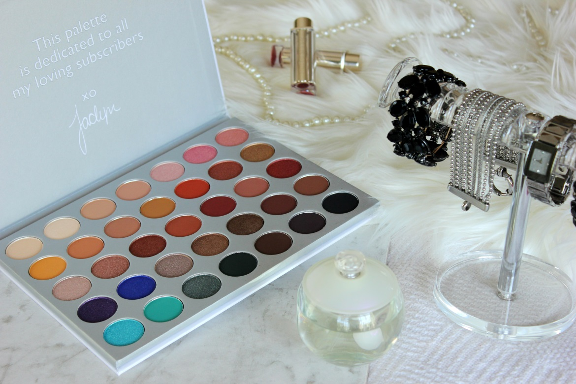 Morphe Jaclyn Hill Palette Swatches Review Beauty Bucket List Jacquelle Carousel Blender